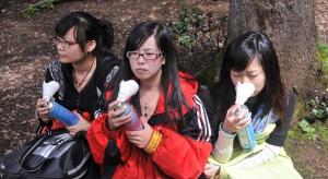Chińskie sposoby na smog: puszki z czystym powietrzem i biżuteria z pyłu