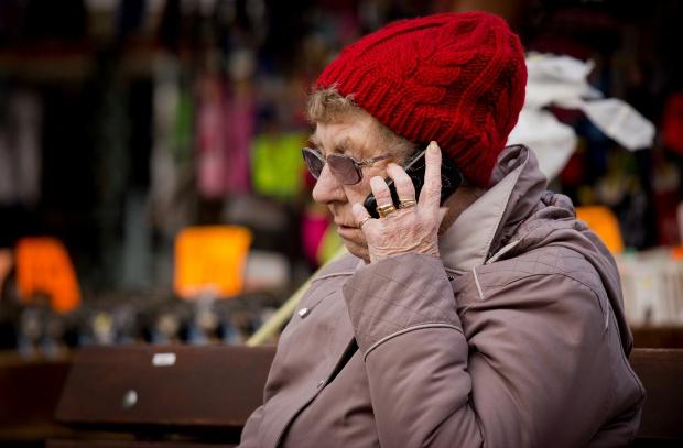 Zmieniasz umowę przez telefon? Uważaj, z kim ją zawierasz