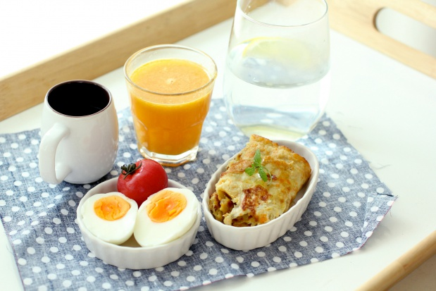 Dieta: spożywanie posiłków we wczesnych porach dnia pomaga w odchudzaniu