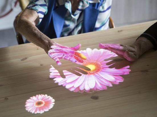 Jak leczyć demencję starczą? W Holandii stworzono specjalną wioskę