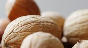 Naukowcy: orzechy, pistacje i migdały zmniejszają ryzyko nowotworu