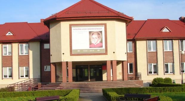 Mazowieckie: w miejsce katolickiej szkoły powstanie dom seniora