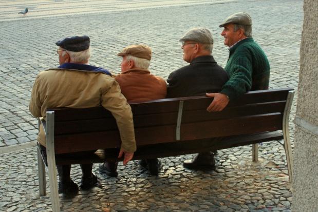 """W Opolu debatowano o seniorach. """"Problem z odnalezieniem się we współczesnym świecie"""""""