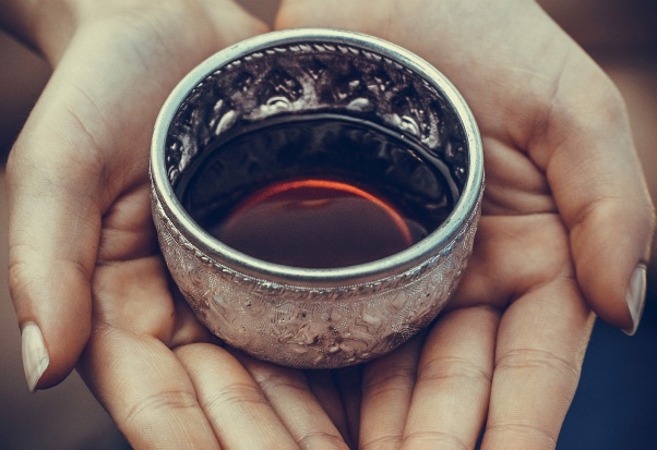 Gorąca herbata chroni przed jaskrą?