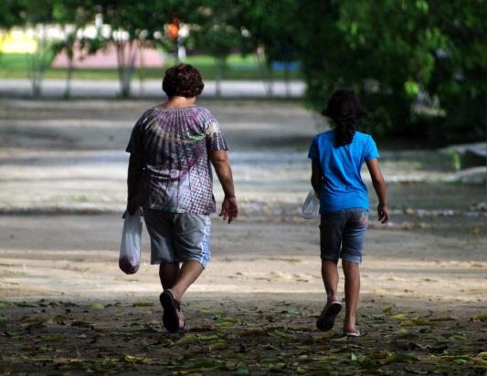 Posiadanie dzieci sprawia, że kobiece telomery wydają się o 11 lat starsze