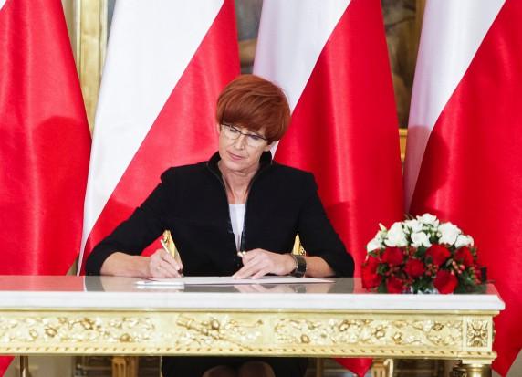 Minister Elżbieta Rafalska zachęca do udziału w polityce senioralnej