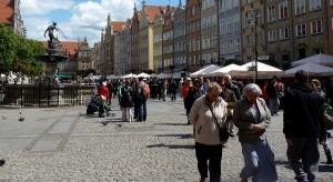 """Gdańsk aktywizuje i integruje. Trwa kampania """"Każda szkoła wspiera seniora - łączymy pokolenia"""""""
