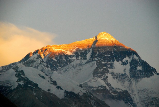 Chciał być najstarszym zdobywcą Mount Everestu. Zmarł podczas wspinaczki