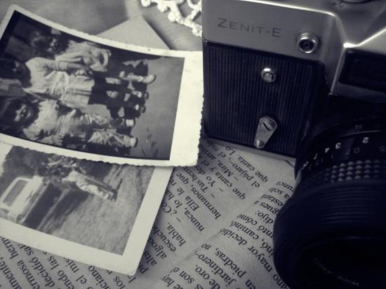 Ekspert podpowiada, jak dbać o stare zdjęcia