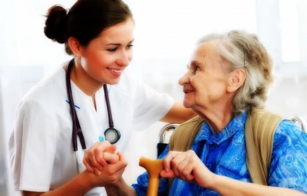 Lepiej w domu niż w szpitalu? Centrum Zdrowia Tuchów ruszyło z długoterminową opieką domową