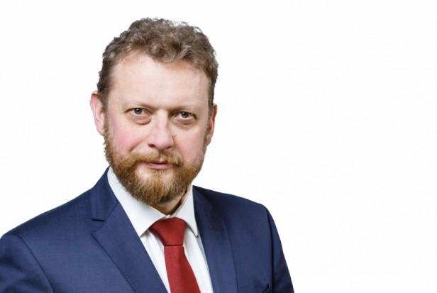 Szumowski: kadry medyczne i instytucjonalną opiekę dotyka niż demograficzny