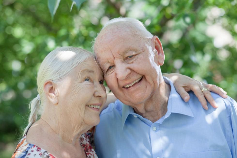 Co każdy senior wiedzieć powinien: pielęgnacja okolic intymnych