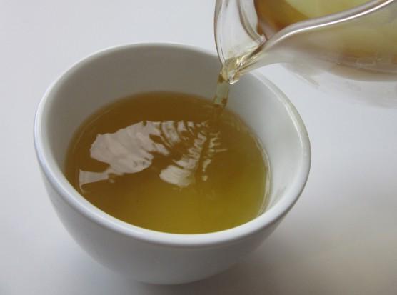 Składnik zielonej herbaty może zapobiegać zawałom, udarom i pomagać alzheimerowcom