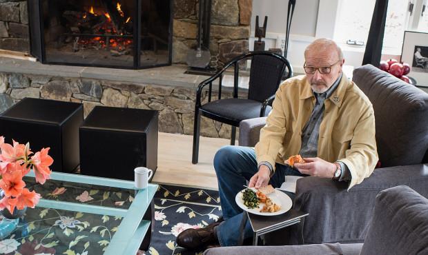 Wczesna kolacja to mniejsze ryzyko raka piersi i prostaty?